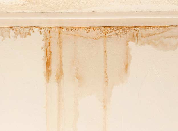 how-to-deal-with-moisture-in-the-ceiling